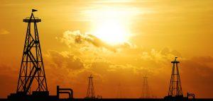 3.7.13-Oil-Rigs-Fracking