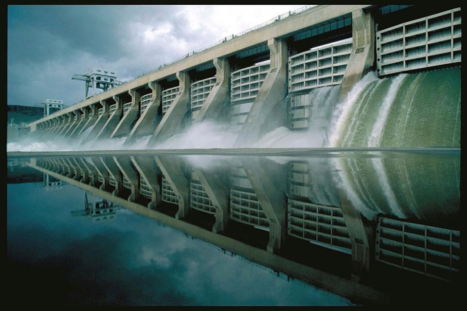 a research on hydroelectricity and dams in the united states