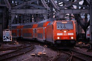 train 3211430 960 720